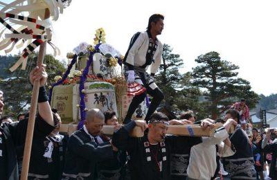 【雫宮祭】(しずくみやまつり)